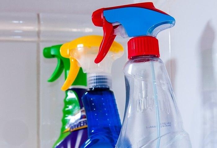 Análisis de productos de limpieza, desinfección e insecticidas