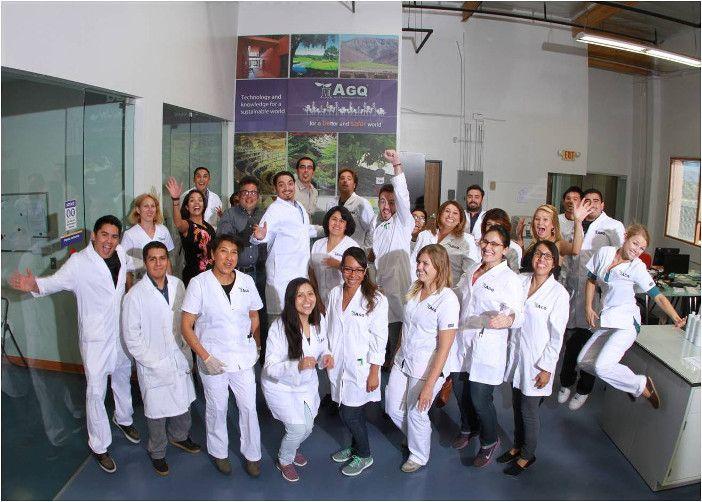 Trabajadores de AGQ Labs Chile